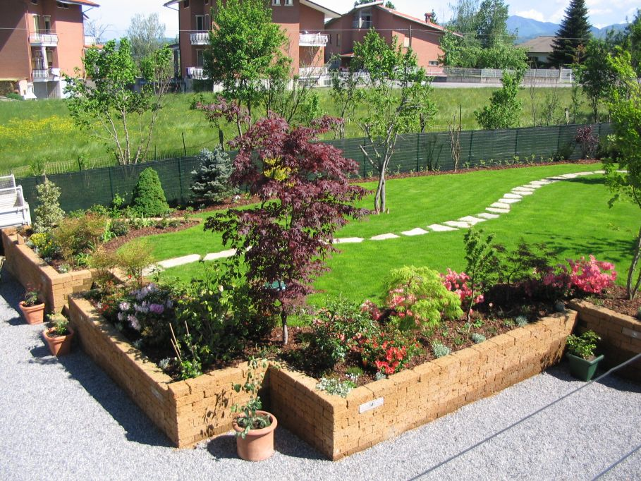 Bordure in campagna paesaggi garden vivaiopaesaggi for Bordure aiuole in tufo